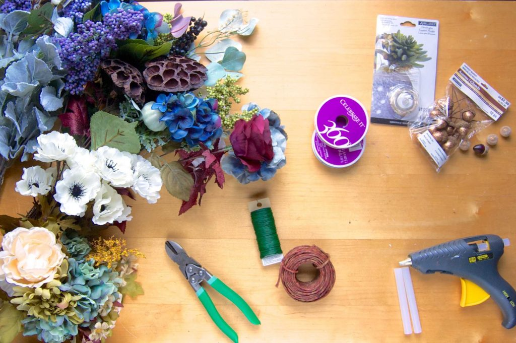 Flower crown DIY tutorial: make your own beautiful flower crowns, with tutorial and tips by an Etsy pro!