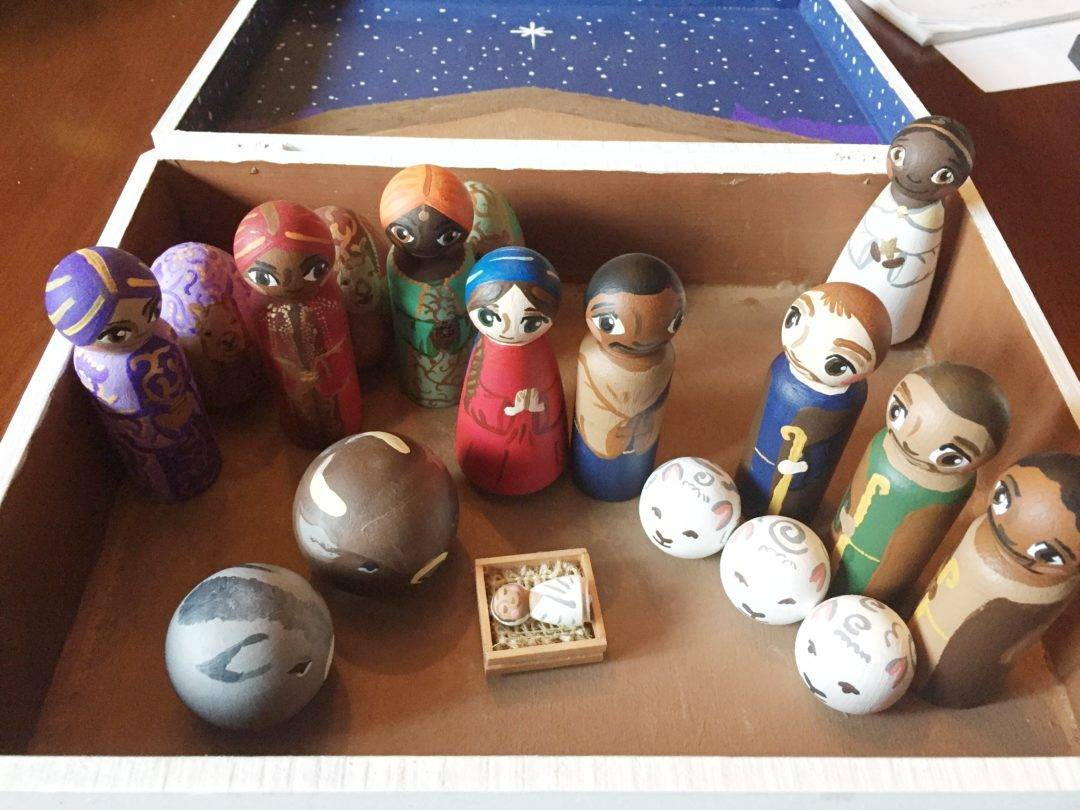 How to Create a Peg Doll Nativity - Sara Laughed